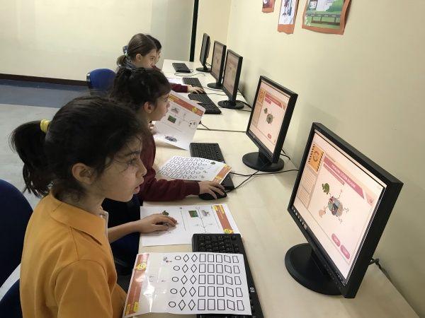 Öğrencilerimiz Programlamanın Temeli Olan Algoritma Becerilerini Geliştiriyor
