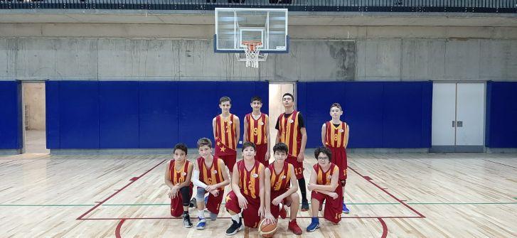 Uğur Koleji Yıldız Erkek Basketbol Takımı'ndan  Farklı Galibiyet