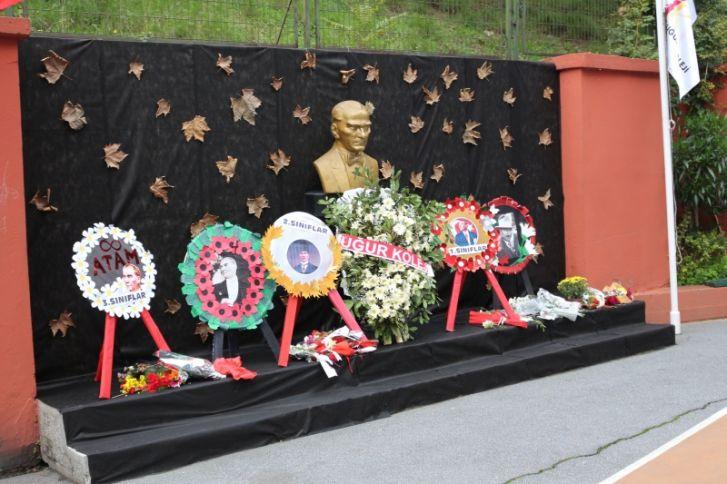 Atatürk'ü Saygı Ve Özlemle Andık